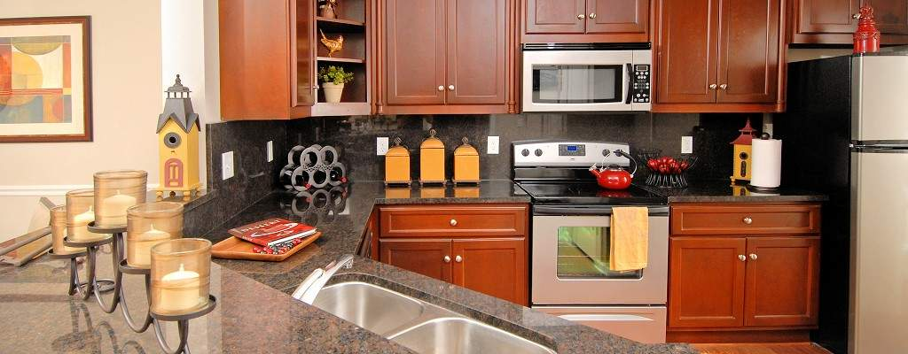 Prepare gourmet meals with ease in your kitchen with full-size appliances during your extended stay in Knoxville Tennessee.